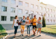 φοιτητική ζωή στην πόλη σου ή μόνος